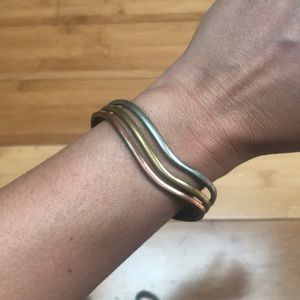 Jewelry - Pretty Three Toned Bracelet